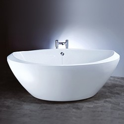 Hydra Freestanding Bath With Surround Panel.  Size 1800x800x630mm.