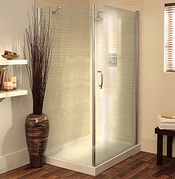 Lakes Italia 900x700 Shower Enclosure With Pivot Door & Tray (Silver).